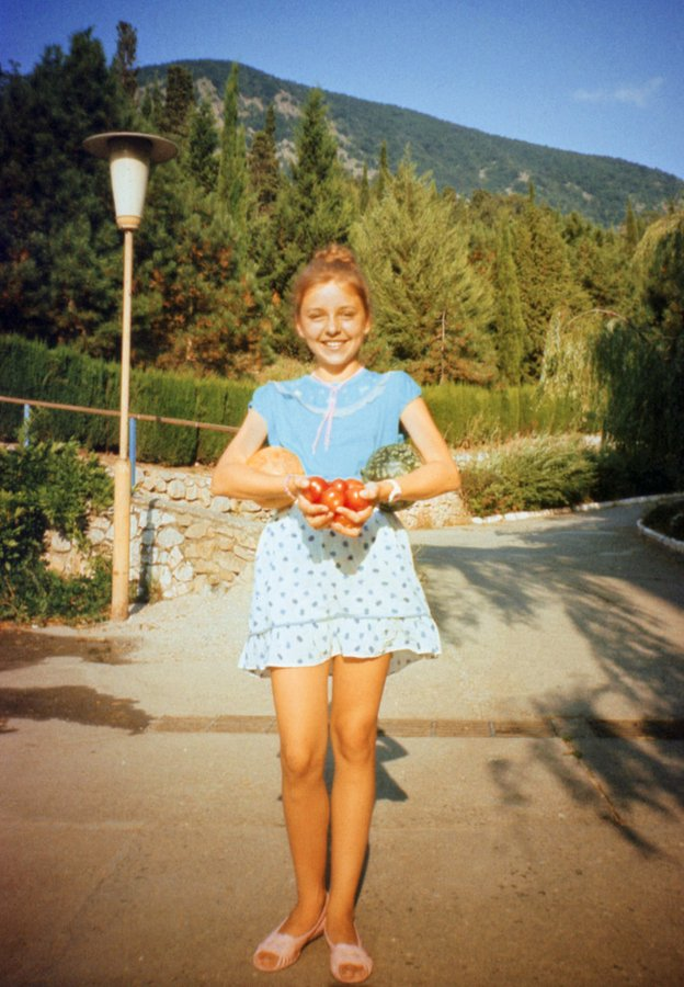 Utkin Family Archive, Girl with tomatoes, 1991
