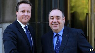 Alex Salmond and David Cameron shake hands outside St Andrew's House