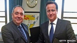 Alex Salmond shaking hands with David Cameron