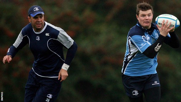 Michael Cheika and Brian O&#039;Driscoll at Leinster training in 2009
