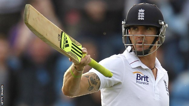 Kevin Pietersen playing test cricket for England
