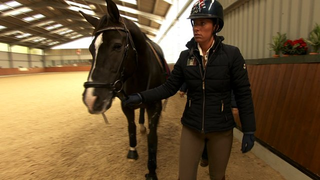 Bbc sport dressage 39 s charlotte dujardin tries to keep for Dujardin hugues