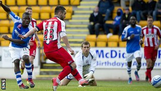 Nigel Hasselbaink scores for St Johnstone against Kilmarnock