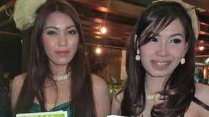 Two &quot;pretties&quot; at Bangkok&#039;s House and Condominium Show, October 2012