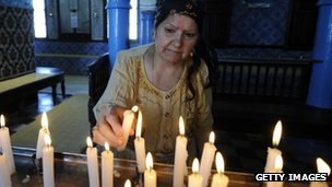Woman in synagogue