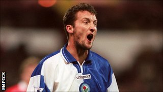 Billy McKinlay in action for Blackburn Rovers