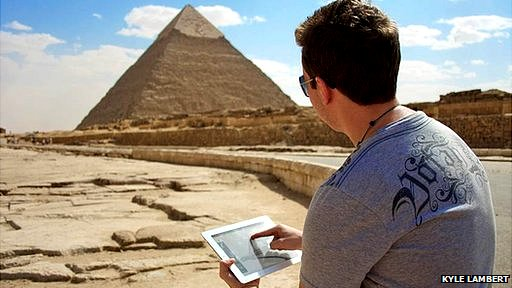 Kyle Lambert drawing in Egypt