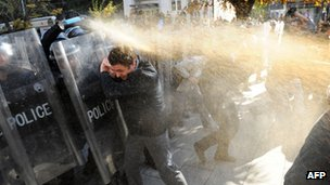 Police use pepper spray against protesters in Pristina. Photo: 22 October 2012