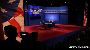 Presidential candidates on stage at televised debate in Boca Raton, Florida 22 October 2012