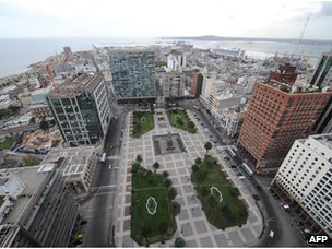 View of Montevideo, with Independence Square in the foreground