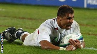 Jason Robinson scores a try for England in the 2003 Rugby World Cup final