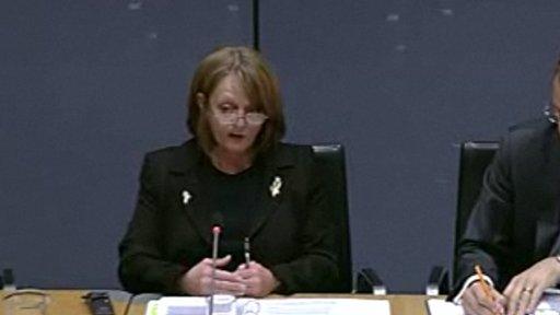 Cadeirydd y Pwyllgor Jocelyn Davies