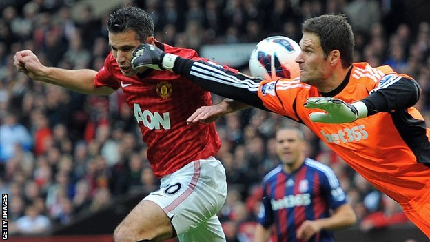 Robin van Persie (left) and Asmir Begovic
