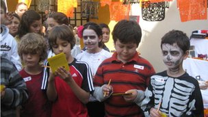 Centro Educativo Monarca pupils dress up for the Day of the Dead/Halloween!