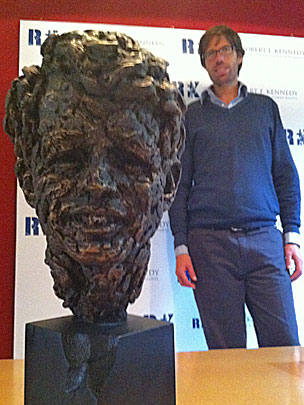 Federico Moro and statue of RFK