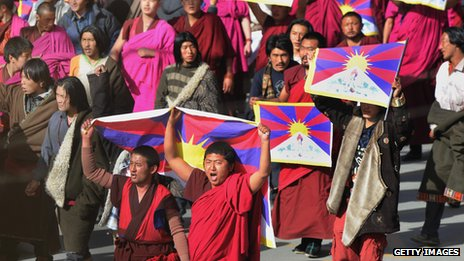 Tibetans protest against Chinese domination