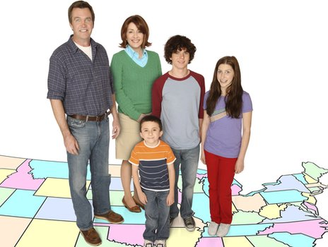 THE MIDDLE, (from left): Neil Flynn, Patricia Heaton, Atticus Shaffer, Charlie McDermott, Eden Sher