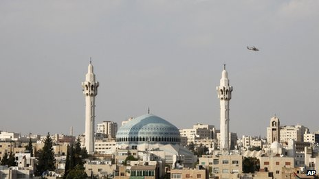 Jordanian military helicopter flies over Amman (11 October 2012)