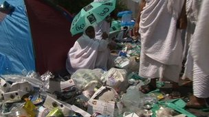 Rubbish left by pilgrims in Mecca