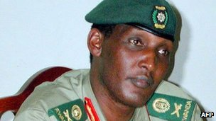 Lt Gen Faustin Kayumba Nyamwasa at press conference (archive shot)