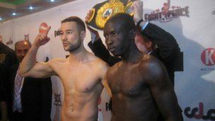 German-born Afghan boxer Hamid Rahimi (left) and Tanzanian Said Mbelwa