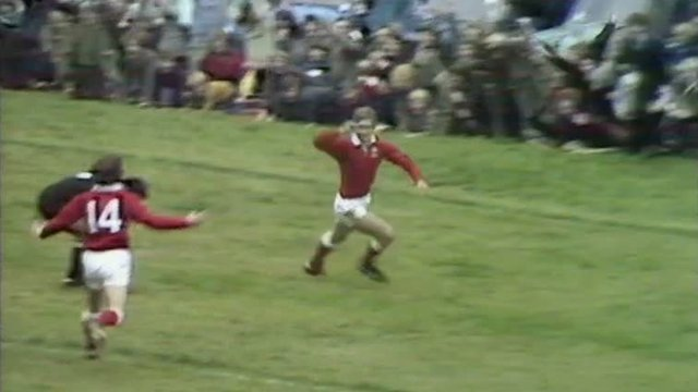 Roy Bergiers scores a try for Llanelli against the All Blacks in 1972