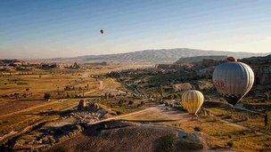 Balloons above Cappadocia (Pic: Ayush Bhandari)