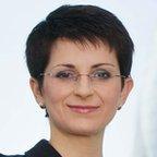 Lena Komileva