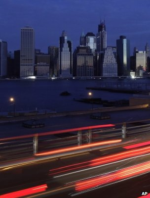 Manhattan in darkness (Image: AP)