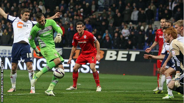 Cardiff City goalkeeper David Marshall almost scores a late equaliser at Bolton