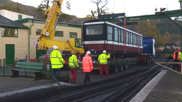 The carriage arrives at Llanberis