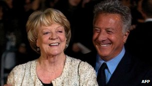 Dame Maggie Smith with Dustin Hoffman (r)