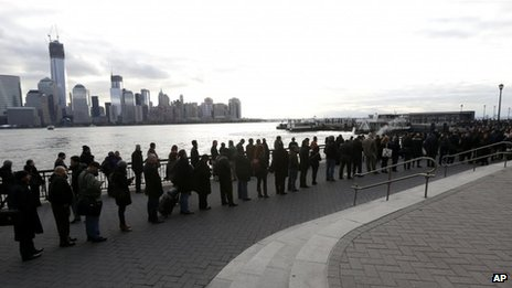 Queue for Jersey City ferry (5 Nov 2012)