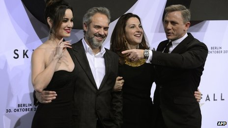 Berenice Marlohe, Sam Mendes, Barbara Broccoli and Daniel Craig