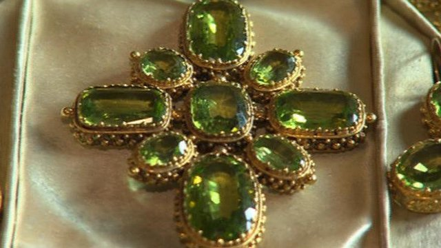 Jewellery up for auction in Mirfield
