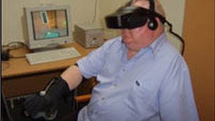 Phantom limb patient using VR headset