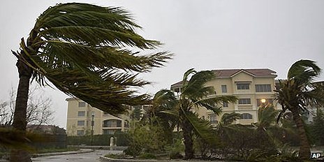 Hurricane Ike batters Turks and Caicos islands