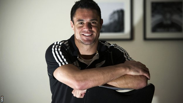 Dan Carter prepares for the visit to Murrayfield
