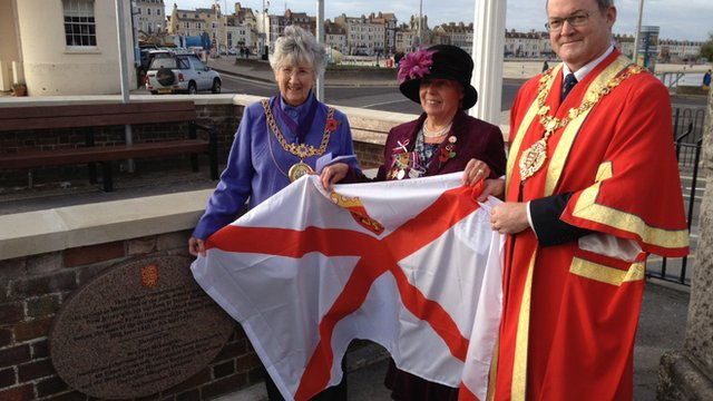 The unveiling of the memorial for evacuees in Weymouth