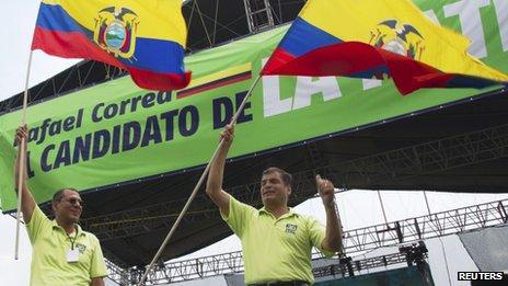 Jorge Glas (left) and Rafael Correa (R)