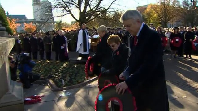 First Minister Carwyn Jones lays a wreath at the Welsh National War Memorial in Cardiff