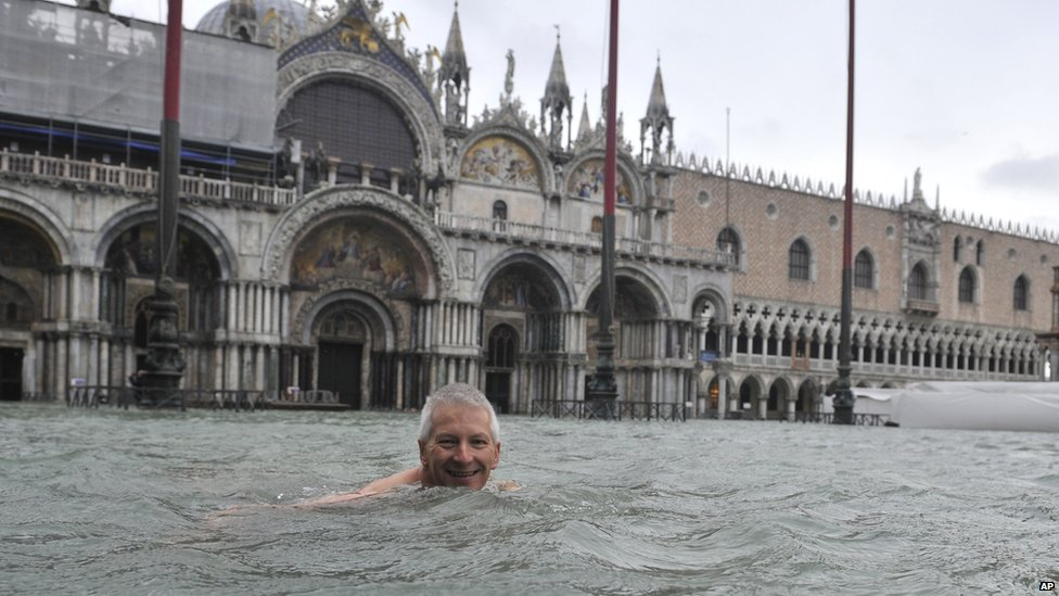 Bbc News In Pictures Venice Floods As Heavy Rain Hits Italy