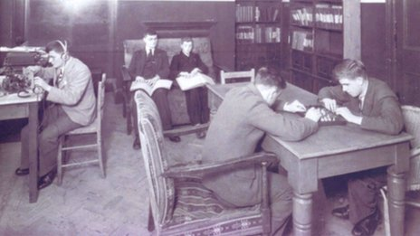 Pupils work at Worcester College in the 1930s