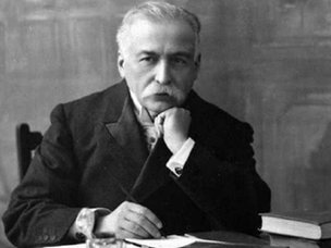 Escoffier at his desk