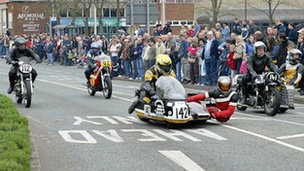 Racing sidecars in the Thundersprint cavalcade