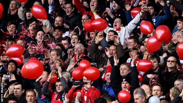 Cheltenham Town fans