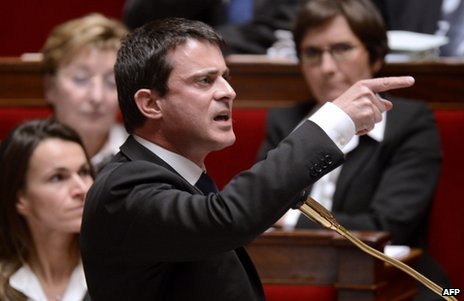 French Interior Minister Manuel Valls points his finger in the National Assembly, 13 December 