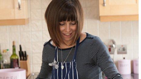 Elliw Gwawr in the kitchen