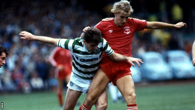 Neale Cooper against Celtic in his playing days