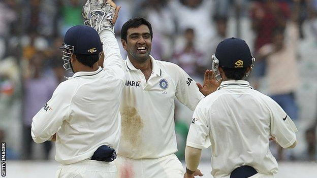 R Ashwin celebrates
